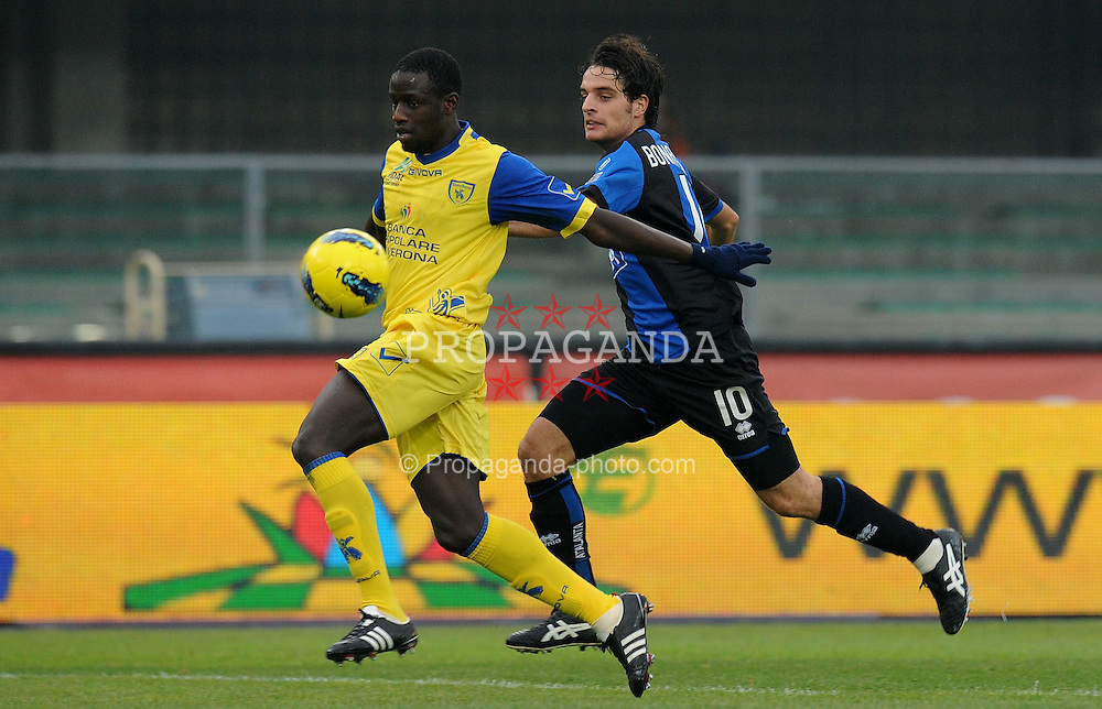 04.12.2001, Stadion Marcantonio Bentegodi, Verona, ITA, Serie A, AC Chievo Verona vs Atalanta Bergamo, 14. Spieltag, im Bild Boukary DRAME (Chievo Verona), Giacomo BONAVENTURA (Atalanta) // during the football match of Italian 'Serie A' league, 14th round, between AC Chievo Verona and Atalanta Bergamo at Stadium Marcantonio Bentegodi, Verona, Italy on 2011/12/04. EXPA Pictures © 2011, PhotoCredit: EXPA/ Insidefoto/ Alessandro Sabattini..***** ATTENTION - for AUT, SLO, CRO, SRB, SUI and SWE only *****