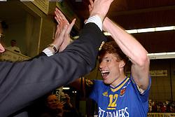 22-04-2003 VOLLEYBAL: PIET ZOOMERS DYNAMO - OMNIWORLD: APELDOORN<br /> Finale play-offs Piet Zoomers wint het landkampioenschap / Bas van de Goor<br /> ©2003-Ronald Hoogendoorn