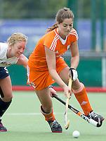 EINDHOVEN - Marloes Keetel, zaterdag bij de oefenwedstrijd tussen het Nederlands team van Jong Oranje Dames en dat van de Vernigde Staten. Volgende week gaat het WK-21 in Duitsland van start. FOTO KOEN SUYK