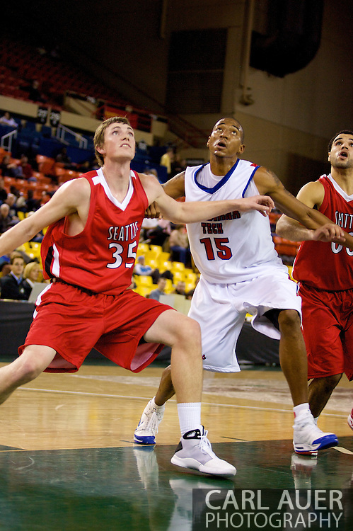 November 27, 2008: Seattle University's Leigh Swanson (35) and Louisiana Tech's Magnum Rolle (15) battle for position in the opening round of the 2008 Great Alaska Shootout at the Sullivan Arena