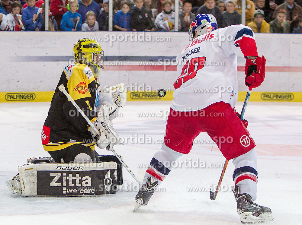 12.04.2015, Eisarena, Salzburg, AUT, EBEL, EC Red Bull Salzburg vs UPC Vienna Capitals, Finale, 3. Spiel, im Bild v.l.: Matt Zaba (UPC Vienna Capitals), Daniel Welser (EC Red Bull Salzburg) // during the Erste Bank Icehockey League 3rd final match between EC Red Bull Salzburg and UPC Vienna Capitals at the Eisarena in Salzburg, Austria on 2015/04/12. EXPA Pictures © 2015, PhotoCredit: EXPA/ JFK