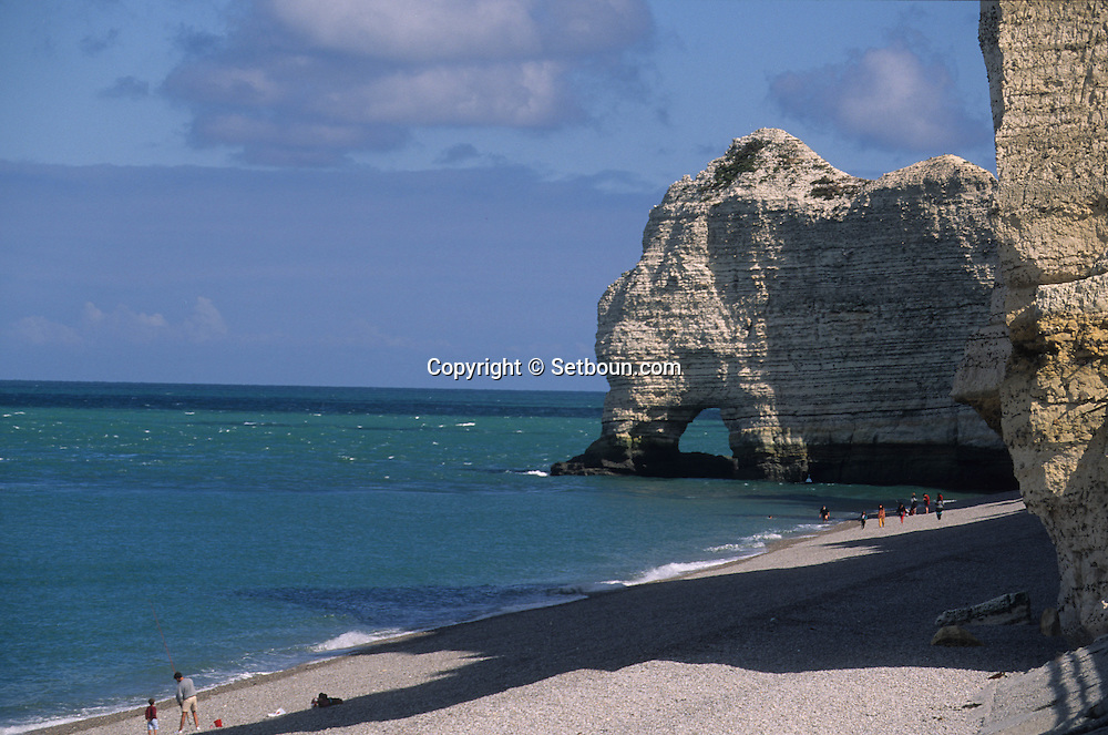 Etretat cliffs  Normandie  France  /  Etretat les falaises  Normandie  France