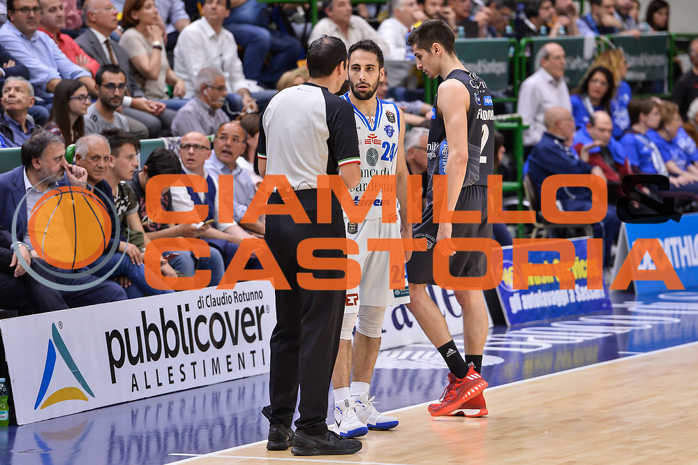 Manuel Attard, Rok Stipcevic<br /> Banco di Sardegna Dinamo Sassari - Dolomiti Energia Aquila Basket Trento<br /> Legabasket Serie A LBA Poste Mobile 2016/2017<br /> Playoff Quarti Gara3<br /> Sassari 16/05/2017<br /> Foto Ciamillo-Castoria