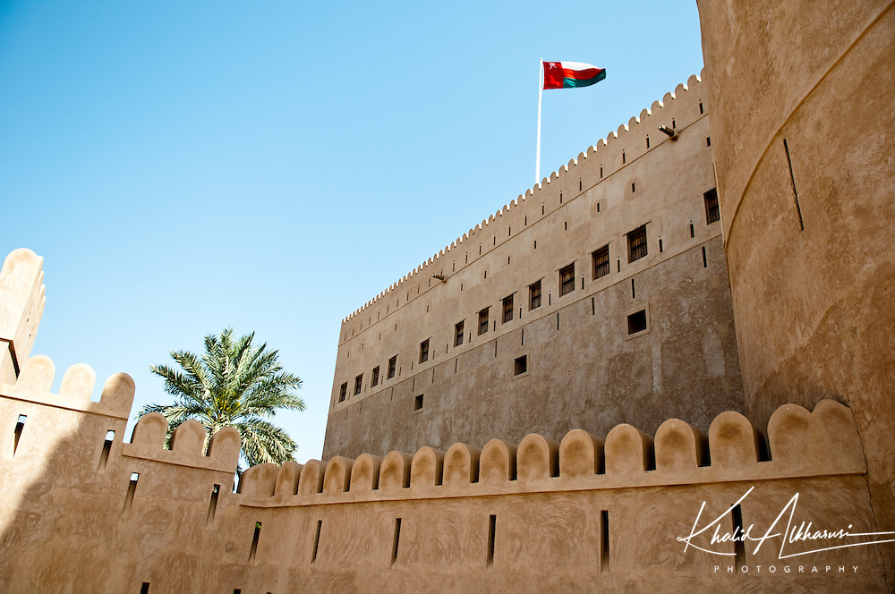 Al Hazm fort lies about 20kms from Ar Rustaq on the road leading back to the Batinah Coast.The fort was built there in the 18th century.