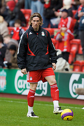 LIVERPOOL, ENGLAND - Saturday, February 23, 2008: Liverpool's Fernando Torres warms up before the Premiership match against Middlesbrough at Anfield. (Photo by David Rawcliffe/Propaganda)