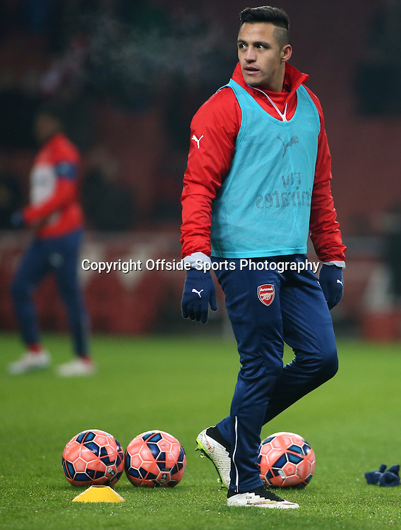 04 January 2015 - FA Cup Third Round - Arsenal v Hull City - Alexis Sanchez of Arsenal in the warm up.<br /> <br /> Photo: Ryan Smyth/Offside