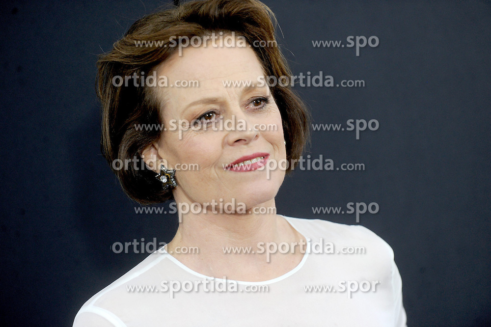 World Premiere of Chappie at AMC Loews Lincoln Square in New York City on March 04, 2015, Image Shows: Sigourney Weaver. EXPA Pictures &copy; 2015, PhotoCredit: EXPA/ Photoshot/ Dennis Van Tine<br /> <br /> *****ATTENTION - for AUT, SLO, CRO, SRB, BIH, MAZ only*****