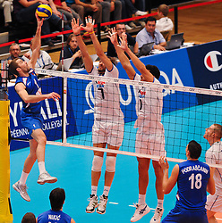 18.09.2011, Stadthalle, Wien, AUT, CEV, Europaeische Volleyball Meisterschaft 2011, Finale, Italien vs Serbien, im Bild Nikola Kovacevic, (SRB, #1, Wing-Spiker) gegen Michal Lasko, (ITA, #7, Opposite) und Luigi Mastrangelo, (ITA, #1, Middle-Blocker) // during the european Volleyball Championship Final Italy vs Serbia, at Stadthalle, Vienna, 2011-09-18, EXPA Pictures © 2011, PhotoCredit: EXPA/ M. Gruber