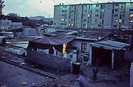 France. Marseille. the renaude, slum in horizontal and slum in vertical  Marseille  France    /cite la Renaude  dans les quartiers nord. Bidonville à l horizontal et à la vertical  Marseille  France  /R00015/14    L2820  /  P0004018