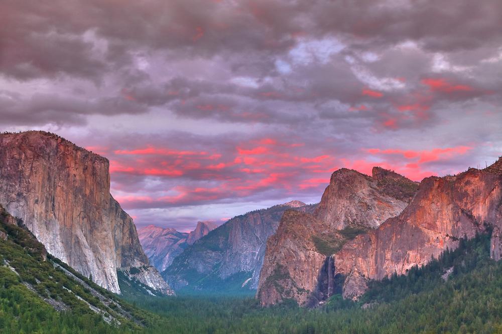 Yosemite Valley Overlook - Dusk - HDR