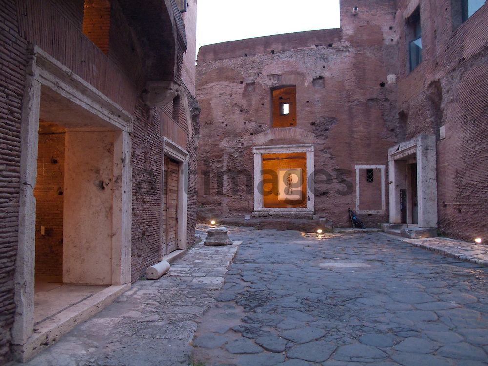 Exhiition Avvertenze Artistiche - Rome - Mercati di Traiano - Fori Imperiali Museum -