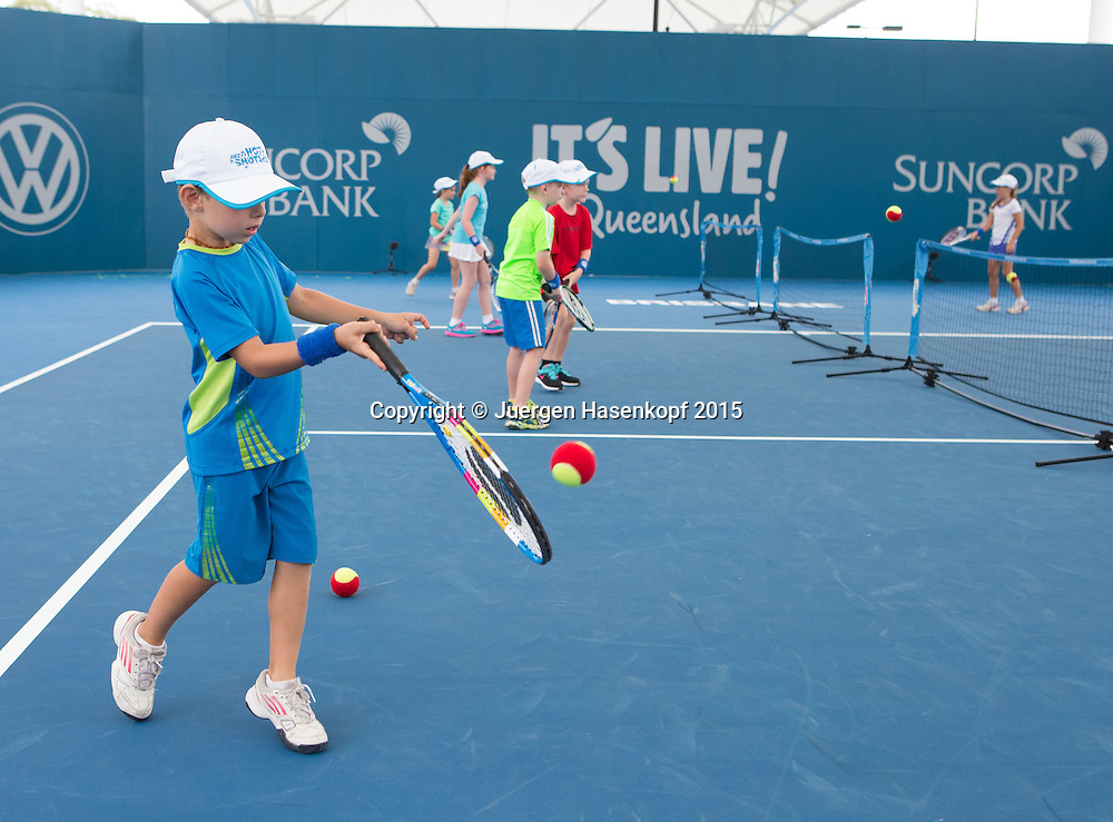 Kinder spielen Mini Tennis<br /> <br /> Tennis - Brisbane International  2015 - ATP -   - Brisbane - QLD - Australia  - 7 January 2015. <br /> &copy; Juergen Hasenkopf
