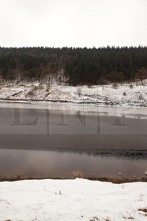 © Licensed to London News Pictures. 10/02/2012. Derbyshire, UK. The River Derwent in the Peak District, Derbyshire has frozen over in sub-zero termparates. Photo credit : Joel Goodman/LNP