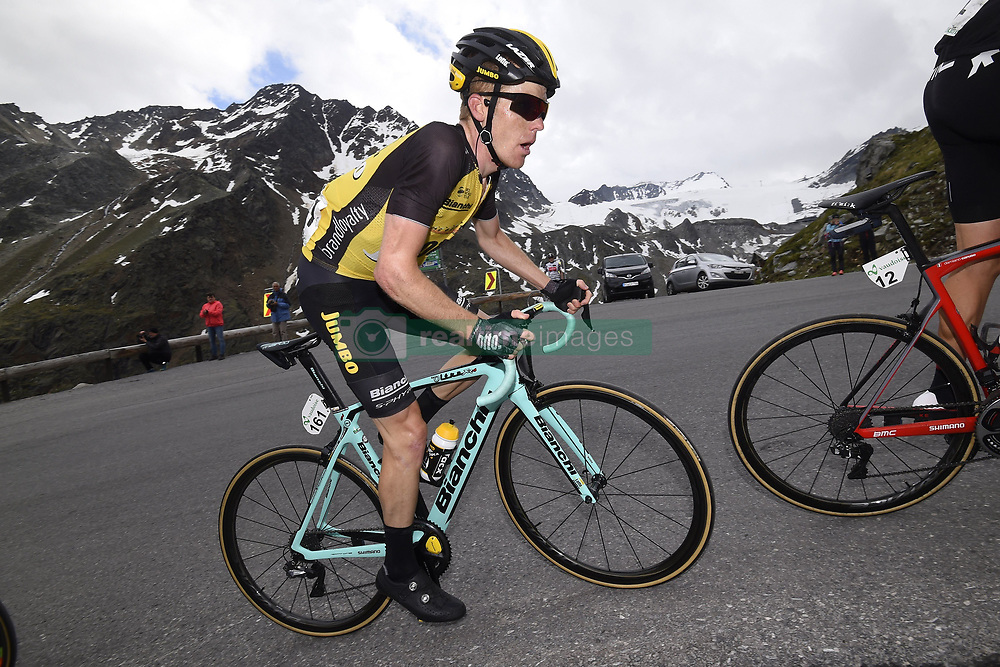 June 16, 2017 - Solden, Suisse - SOLDEN, AUSTRIA - JUNE 16 : KRUIJSWIJK Steven (NED) Rider of Team Lotto NL - Jumbo during stage 7 of the Tour de Suisse cycling race, a stage of 160 kms between Zernez and Solden on June 16, 2017 in Solden, Austria, 16/06/2017 (Credit Image: © Panoramic via ZUMA Press)