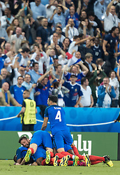 10.06.2016, Stade de France, St. Denis, FRA, UEFA Euro, Frankreich, Frankreich vs Rumaenien, Gruppe A, im Bild Torjubel Frankreich nach dem 2:1 durch Dimitri Payet (FRA) // Goal celebration of France after 2:1 of Dimitri Payet (FRA) during Group A match between France and Romania of the UEFA EURO 2016 France at the Stade de France in St. Denis, France on 2016/06/10. EXPA Pictures © 2016, PhotoCredit: EXPA/ JFK