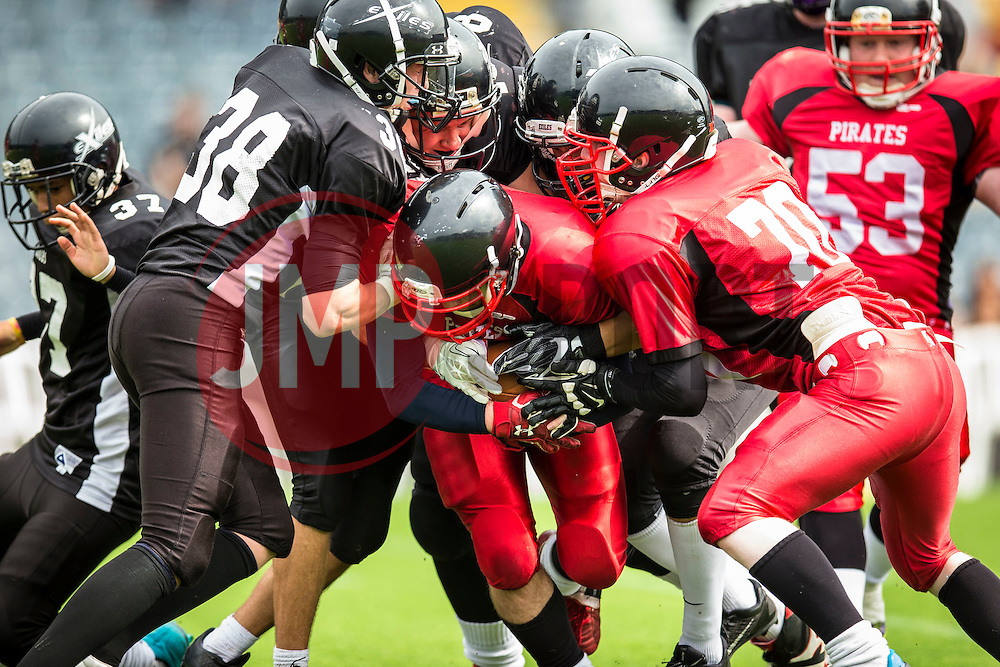Kent Exiles defence surround the East Kilbride Pirates running - Mandatory by-line: Jason Brown/JMP - 27/08/2016 - AMERICAN FOOTBALL - Sixways Stadium - Worcester, England - Kent Exiles v East Kilbride Pirates - BAFA Britbowl Finals Day