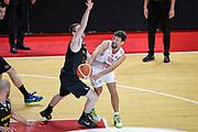 DESCRIZIONE : Varese FIBA Eurocup 2015-16 Openjobmetis Varese Telenet Ostevia Ostende<br /> GIOCATORE : Roko Ukic<br /> CATEGORIA : Palleggio<br /> SQUADRA : Openjobmetis Varese<br /> EVENTO : FIBA Eurocup 2015-16<br /> GARA : Openjobmetis Varese - Telenet Ostevia Ostende<br /> DATA : 28/10/2015<br /> SPORT : Pallacanestro<br /> AUTORE : Agenzia Ciamillo-Castoria/M.Ozbot<br /> Galleria : FIBA Eurocup 2015-16 <br /> Fotonotizia: Varese FIBA Eurocup 2015-16 Openjobmetis Varese - Telenet Ostevia Ostende
