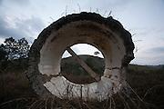 Olaria_MG, Brazil.<br /> <br /> Estrutura abandonada na beira da BR 267 em Olaria, Minas Gerais.<br /> <br /> Abandoned structure in Highway BR 267 in Olaria, Minas Gerais.<br /> <br /> Foto: LEO DRUMOND / NITRO