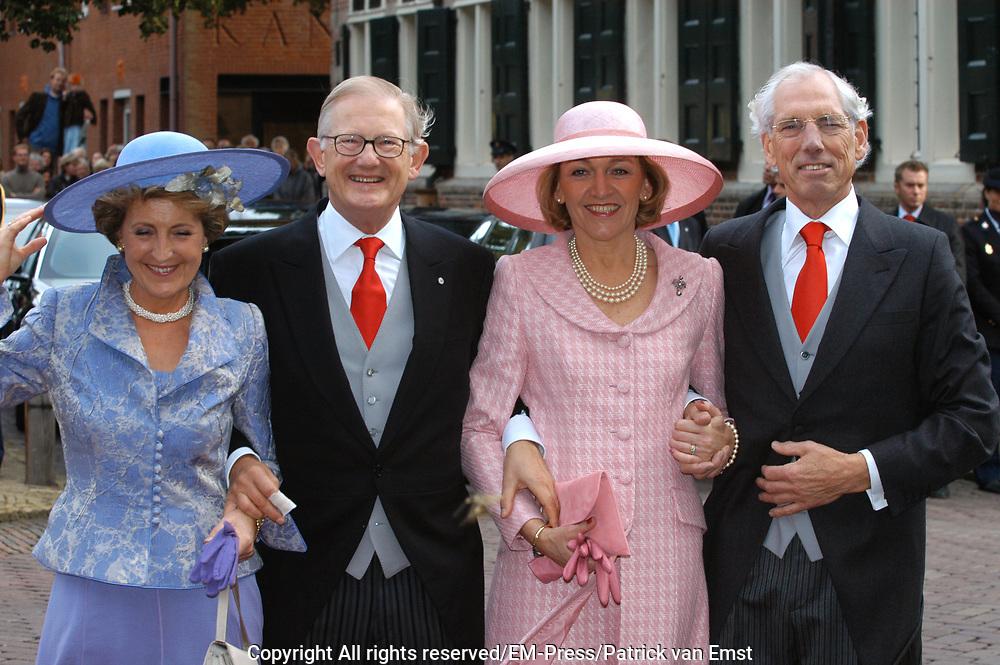 Zijne Hoogheid Prins Floris van Oranje Nassau, van Vollenhoven en mevrouw mr. A.L.A.M. Söhngen zijn zaterdag 22 oktober in de kerk van Naarden in het  huwelijk getreden. De prins is de jongste zoon van Prinses Magriet en Pieter van Vollenhoven.<br /> <br /> Church Wedding Prince Floris and Aimée Söhngen. <br /> <br /> Church Wedding Prince Floris and Aimée Söhngen in Naarden. The Prince is the youngest son of Princess Margriet, Queen Beatrix's sister, and Pieter van Vollenhoven. <br /> <br /> Op de foto / On the photo;<br /> <br /> <br /> <br /> <br /> Hare Koninklijke Hoogheid Prinses Margriet der Nederlanden en Professor Mr. Pieter van Vollenhoven en Ouders van Aimée  Söhngen de heer J.H.M. Söhngen en mevrouw E.L.F.M. Söhngen-Stammeijer <br /> <br /> Parents of Aimée Söhngen the lord J.H.M. Söhngen and Ms E.L.F.M. söhngen stammeijer and Her royal highness princess Magriet of the The Netherlands and professor Mr. Pieter van Vollenhoven (parents of Floris)