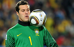 28.06.2010, Ellis Park Stadium, Johannesburg, RSA, FIFA WM 2010, Brazil (BRA) vs Chile.C (CHI), im Bild Julio Cesar (Brasile).. EXPA Pictures © 2010, PhotoCredit: EXPA/ InsideFoto/ Giorgio Perottino +++ for Austria and Slovenia only +++ / SPORTIDA PHOTO AGENCY