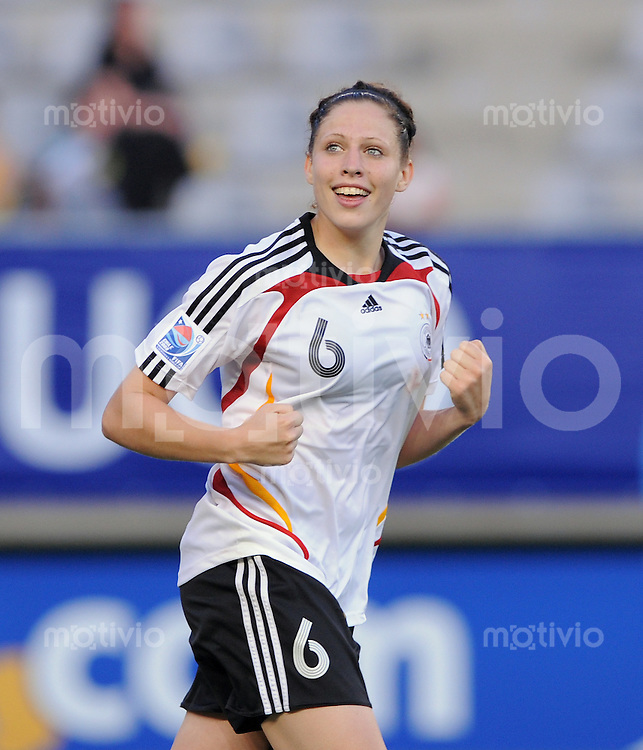 Fussball Frauen FIFA U 20  Weltmeisterschaft 2008    01.12.2008 Brasilien - Deutschland Kim Kulig (GER) jubelt
