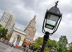 THEMENBILD - Der Washington Square Arch ist ein Triumphbogen erbaut 1892 im Washington Square Park. Es wurde zur Hunderjahrfeier des Amtsantritts George Washingtons als Praesident der USA gebaut, Aufgenommen am 10. August 2016 // The Washington Square Arch is a marble triumphal arch built in 1892 in Washington Square Park. It celebrates the centennial of George Washington's inauguration as President of the United States in 1789, New York City, United States on 2016/08/10. EXPA Pictures © 2016, PhotoCredit: EXPA/ Sebastian Pucher