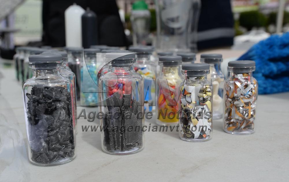 TOLUCA, México.- (Junio 30, 2017).- El ayuntamiento de Toluca, en coordinación con cuatro empresas dedicadas al aprovechamiento de material reciclable, asociaciones civiles e instituciones de educación, se llevó a cabo el  segundo Reciclatón 2017 que busca recolectar 25 toneladas de residuos. Agencia MVT / Crisanta Espinosa.