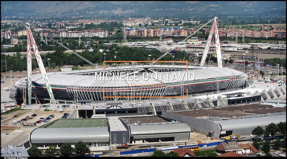 Il nuovo stadio della Juventus, fotografato nel maggio 2011