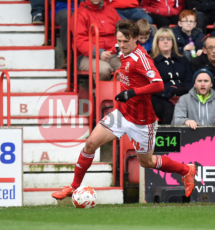 Swindon Town's John Swift - Photo mandatory by-line: Paul Knight/JMP - Mobile: 07966 386802 - 04/04/2015 - SPORT - Football - Swindon - The County Ground - Swindon Town v Milton Keynes Dons - Sky Bet League One