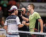 DIEGO SCHWARTZMAN (ARG) gratuliert dem Sieger PHILIPP KOHLSCHREIBER (GER) am Netz<br /> <br /> Tennis - ERSTE BANK OPEN 2017 - ATP 500 -  Stadthalle - Wien -  - Oesterreich  - 27 October 2017. <br /> &copy; Juergen Hasenkopf