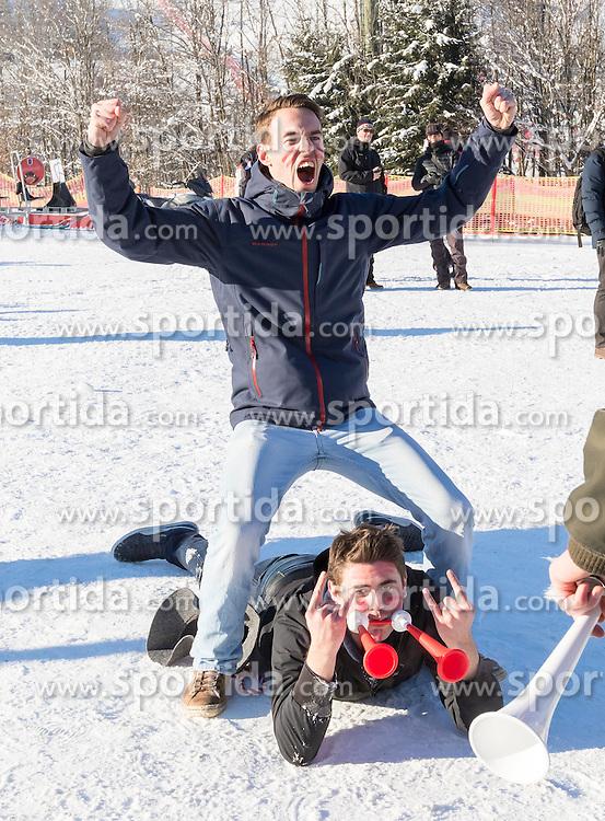 21.01.2017, Hahnenkamm, Kitzbühel, AUT, FIS Weltcup Ski Alpin, Kitzbuehel, Abfahrt, Herren, im Bild Fans // Fans during the men's downhill of FIS Ski Alpine World Cup at the Hahnenkamm in Kitzbühel, Austria on 2017/01/21. EXPA Pictures © 2017, PhotoCredit: EXPA/ Serbastian Pucher