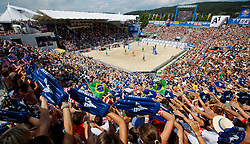 07.08.2011, Klagenfurt, Strandbad, AUT, Beachvolleyball World Tour Grand Slam 2011, im Bild der Centercourt, AUT , EXPA Pictures © 2011, PhotoCredit EXPA Gert Steinthaler