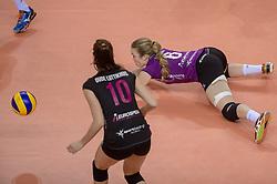 20-02-2016 NED: Coolen Alterno - Eurosped TVT, Almere<br /> Eurosped wint met 3-2 van Alterno en speelt morgen de finale / Danielle Nouwen #6 of Eurosped