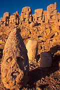 TURKEY, NEMRUT DAGI shrine to gods and Antiochus I tomb