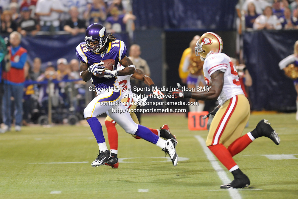 Minnesota Vikings wide receiver Sidney Rice #18 makes the catch for a 30 yard touchdown in the 1st quarter during the Vikings 27-24 victory over the San Francisco 49ers at the Metrodome in Minneapolis, MN on September 27, 2009.