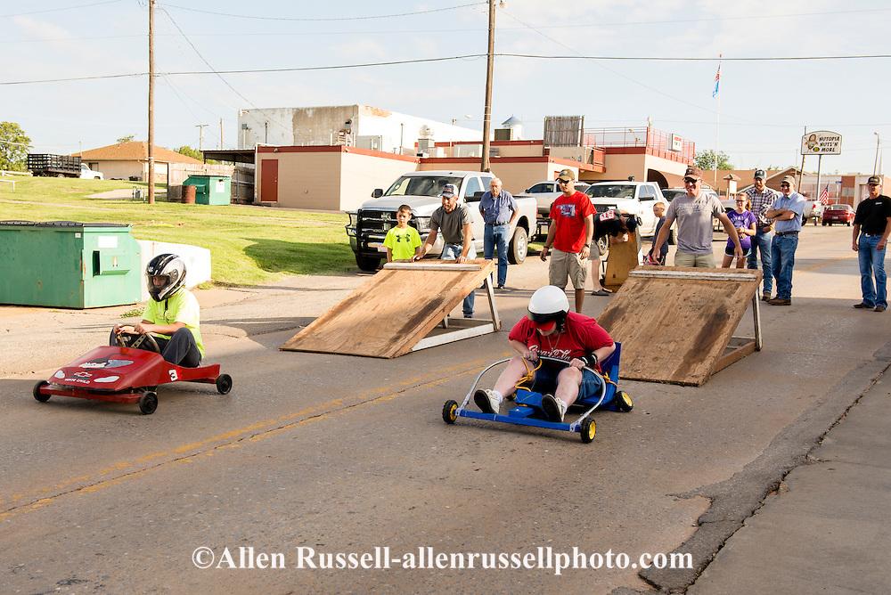 Soap Box Derby, kids, 4th of July, racer breaks axel, Hydro, Oklahoma