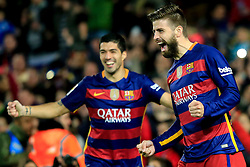 Barcelona's Gerard Pique (R) celebrates after scoring during the Spanish first division football match against Sevilla in Barcelona, Spain, Feb. 28, 2016. Barcelona won 2-1. EXPA Pictures © 2016, PhotoCredit: EXPA/ Photoshot/ Pau Barrena<br /><br />*****ATTENTION - for AUT, SLO, CRO, SRB, BIH, MAZ only*****