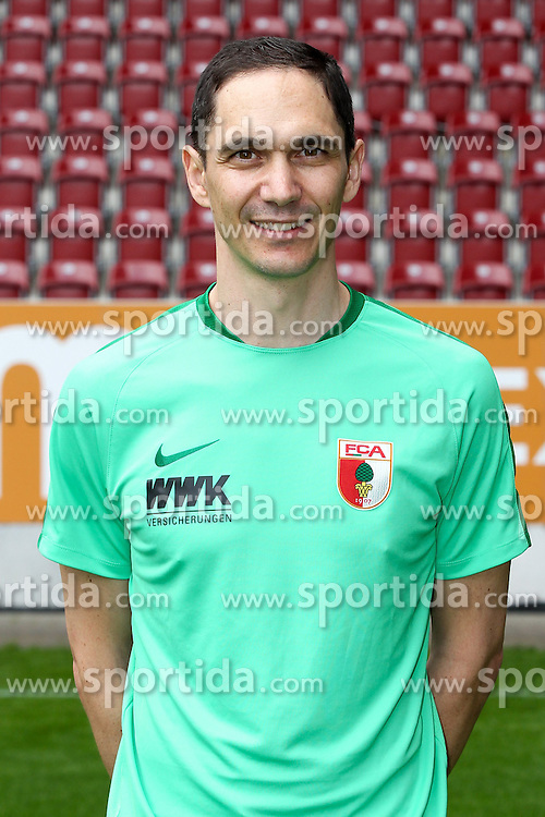 08.07.2015, WWK Arena, Augsburg, GER, 1. FBL, FC Augsburg, Fototermin, im Bild Mannschaftsarzt Florian Elser (FC Augsburg) // during the official Team and Portrait Photoshoot of German Bundesliga Club FC Augsburg at the WWK Arena in Augsburg, Germany on 2015/07/08. EXPA Pictures &copy; 2015, PhotoCredit: EXPA/ Eibner-Pressefoto/ Kolbert<br /> <br /> *****ATTENTION - OUT of GER*****