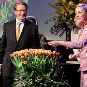 NLD/Lisse/20110323 - Opening Keukenhof 2011 door Willem - Alexander en president Duitsland Wulff en partner, Mw. Wulff doopt haar tulp