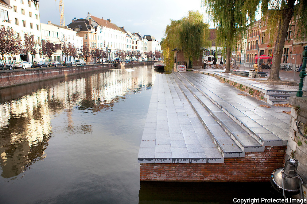366290-nieuwe kade aan felix timmermansplein -Lier