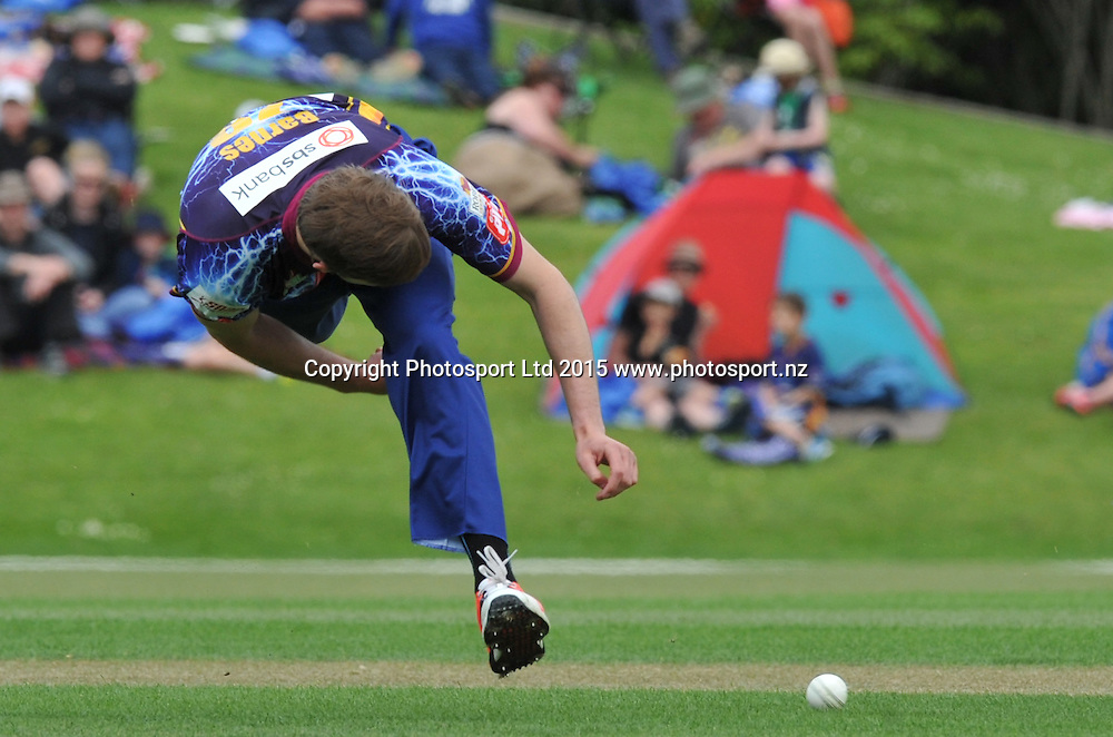 Otago Volts Warren Barnes attenpts to throw teh ball at the stumps in the Georgie Pie Super Smash Twenty20 cricket match between the Otago Volts v Canterbury Kings held at the University Oval, Dunedin. 29 November 2015.