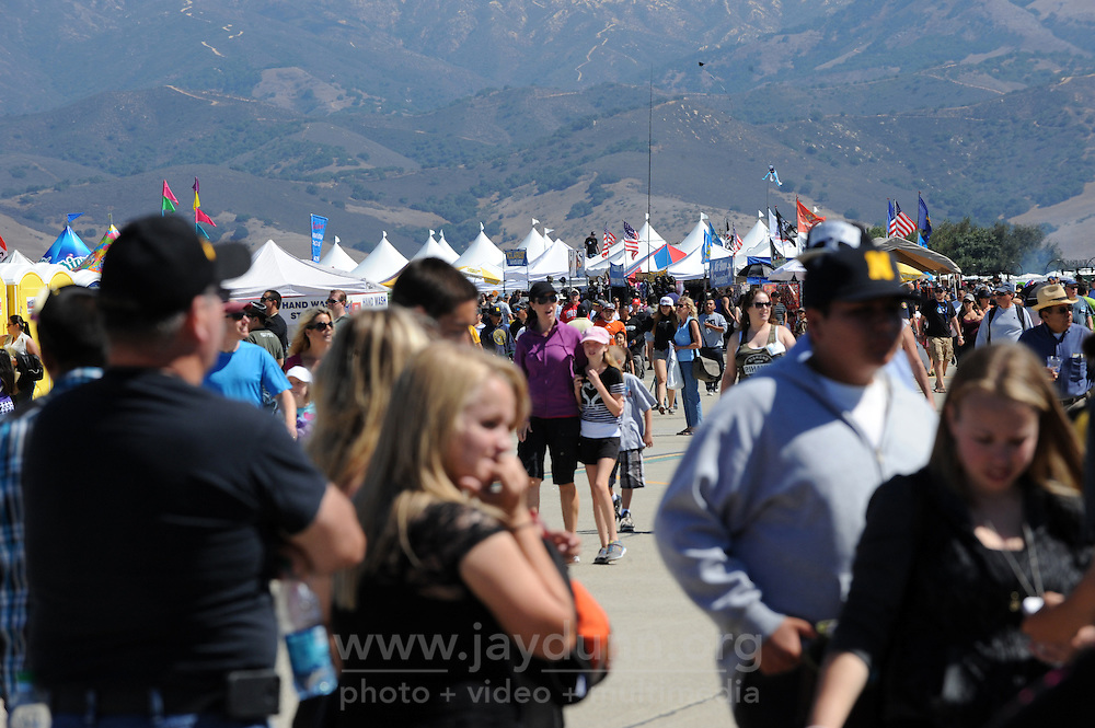 Crowds enjoy the perfect weather on Sunday at the 2013 California International Airshow Salinas.