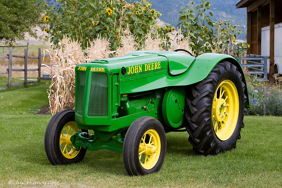 1936 John Deere AOS Streamline Tractor restored by Dennis Black of Arlee Montana. Only 800 built.