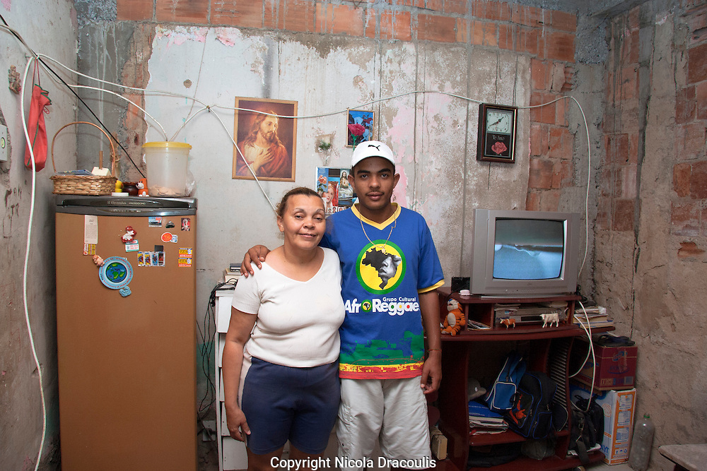 Rafael Teixeira and his mum, Complexo do Alem&atilde;o 2006.<br />
