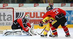 01.11.2013, Albert Schultz Eishalle, Wien, AUT, EBEL, UPC Vienna Capitals vs HC Orli Znojmo, 32. Runde, im Bild Sasu Hovi, (HC Orli Znojmo, #1), Francois Fortier, (UPC Vienna Capitals, #15) und Michael Kolarz, (HC Orli Znojmo, #3) // during the Erste Bank Icehockey League 32nd Round match between UPC Vienna Capitals and HC Orli Znojmo at the Albert Schultz Ice Arena, Vienna, Austria on 2013/11/01. EXPA Pictures © 2013, PhotoCredit: EXPA/ Thomas Haumer