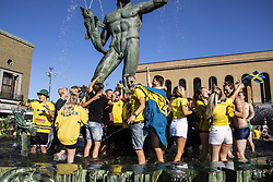 July 3, 2018 - GÖTeborg, SVERIGE - 180703 Fans jublar och firar Sveriges seger vid Poseidon den 3 juli 2018 i Göteborg  (Credit Image: © Line Skaugrud Landevik/Bildbyran via ZUMA Press)