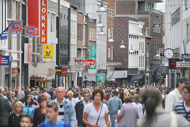 Nederland, Nijmegen, 6-9-2016Winkelstraat, Broerstraat, in Nijmegen. Winkelen, architectuurFoto: Flip Franssen/Hollandse Hoogte