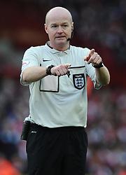 Referee, Lee Mason  - Photo mandatory by-line: Joe Meredith/JMP - Mobile: 07966 386802 - 25/01/2015 - SPORT - Football - Bristol - Ashton Gate - Bristol City v West Ham United - FA Cup Fourth Round