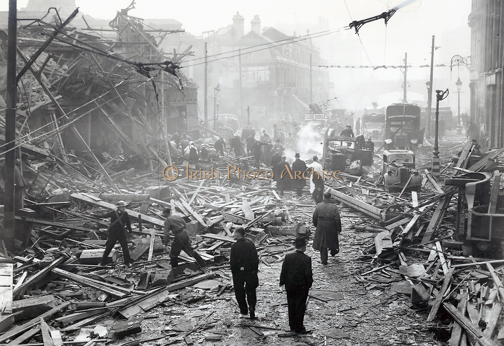 V2 rocket damage.  Farringdon Road, 8th March 1945