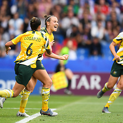 Caitlin Foord of Austalia celebrates his scoring with team-mates during the Women's World Cup match between Australia and Brazil at Stade de la Mosson on June 13, 2019 in Montpellier, France. (Photo by Alexandre Dimou/Icon Sport)